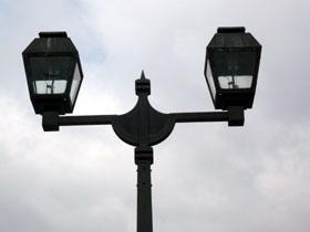 運河沿いの街灯