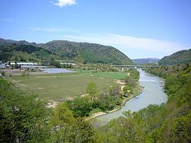 夕張川と農園